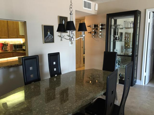 One bedroom apartment in Hallandale